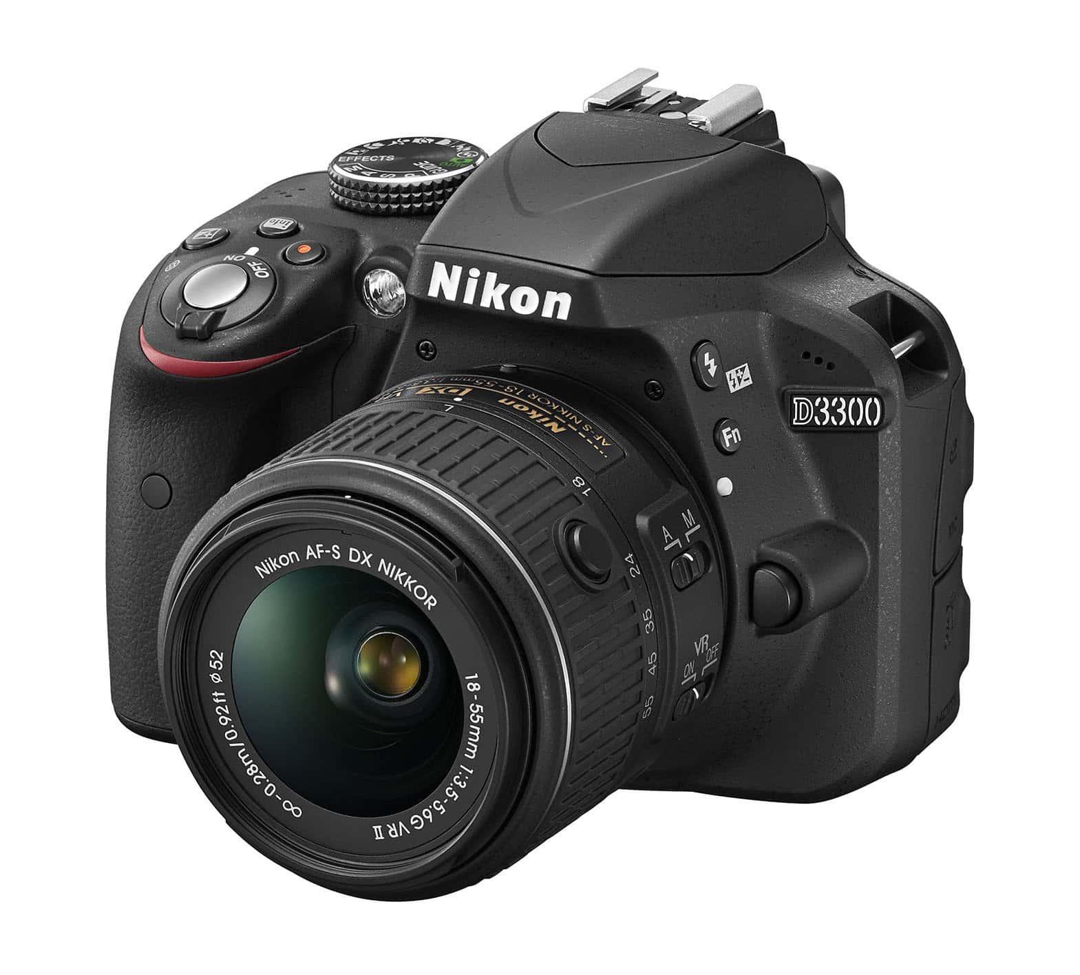 NIkon D3300 wirh 18-55 retractable VR lens