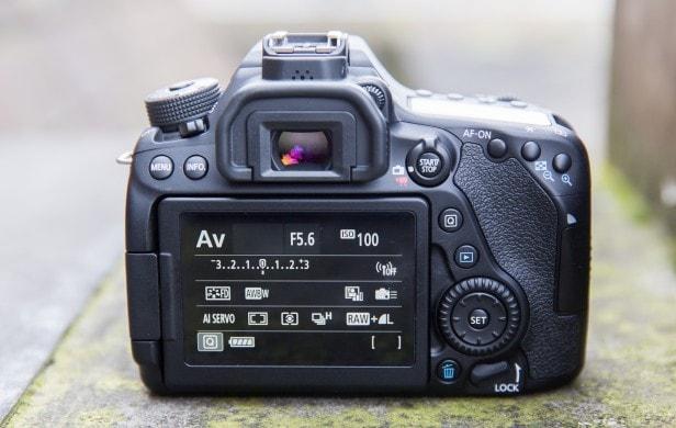 Canon EOS 80D Rear