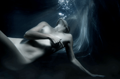 fine art underwater nude by yolandi jacobsz